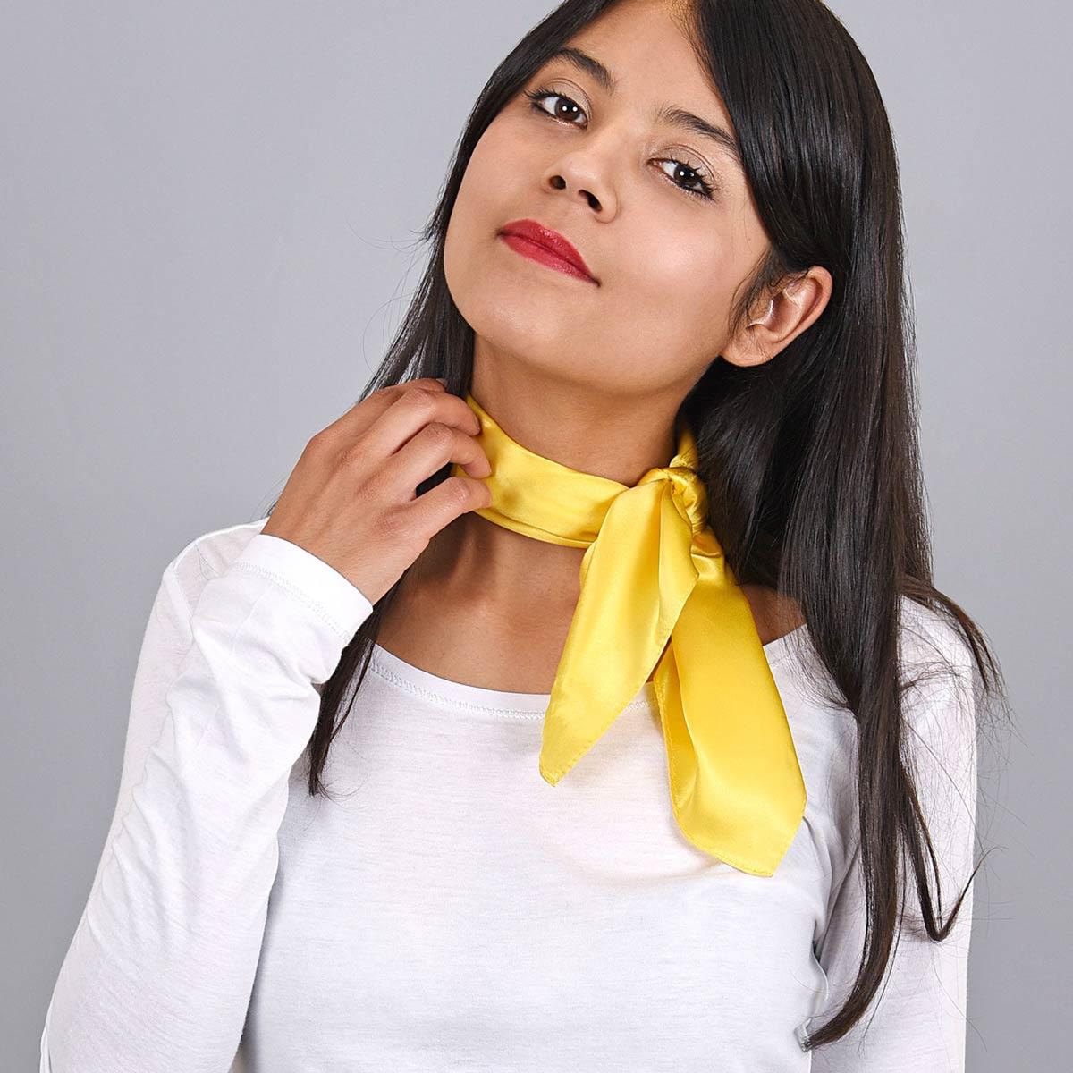 _Carre-de-soie-jaune