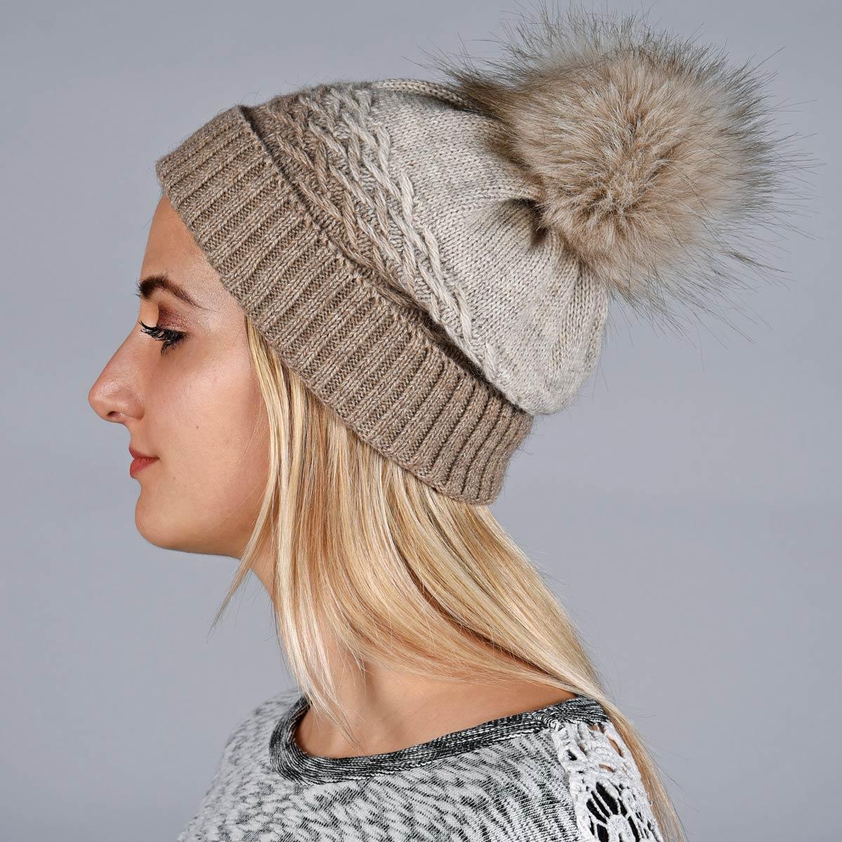 _Bonnet-hiver-pompon-taupe