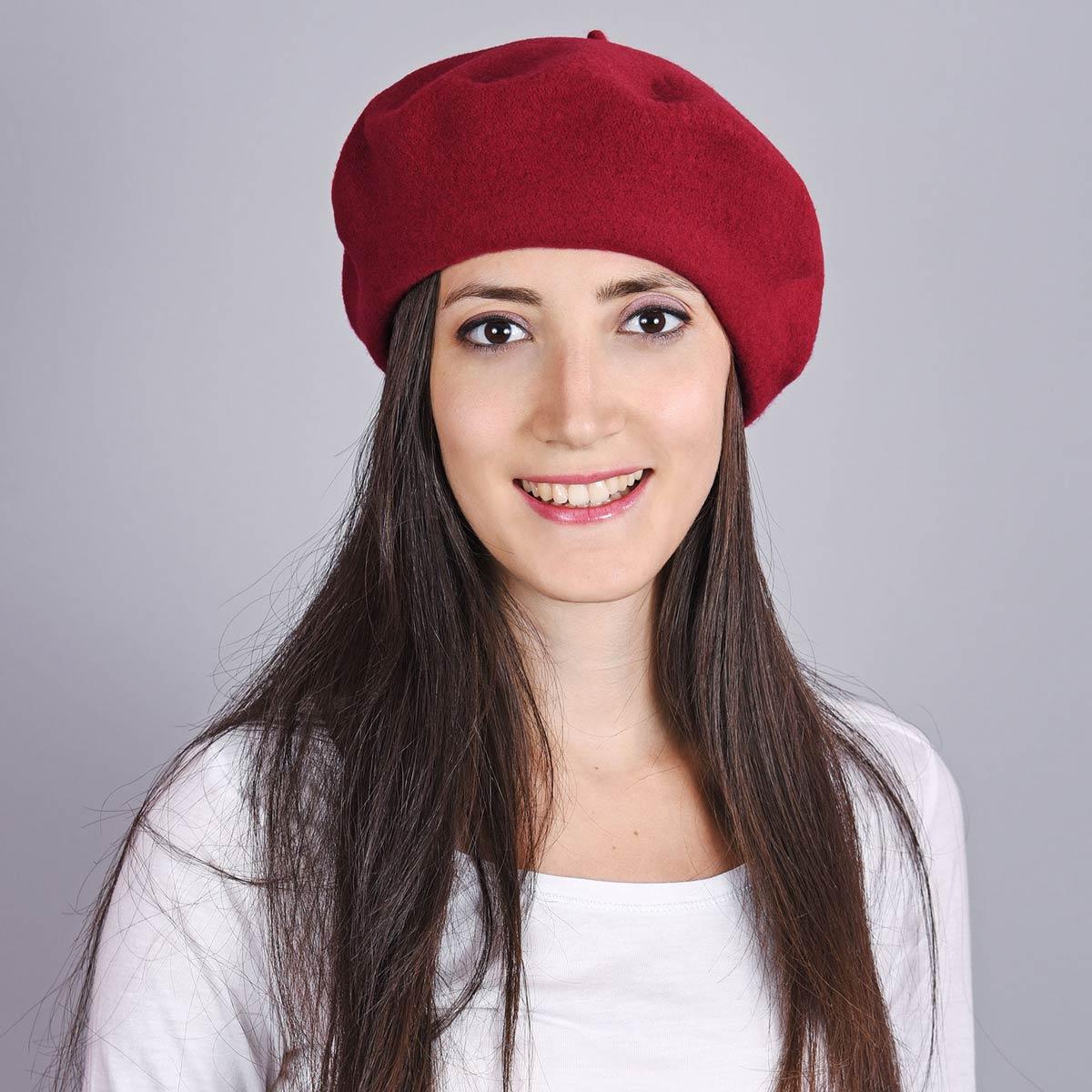 _Beret-femme-rouge-bordeaux