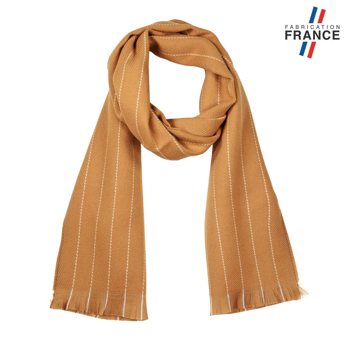 AT-05609_F12-1FR_Echarpe-beige-camel-made-in-france