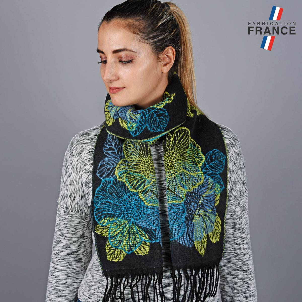 AT-05643_W12-1FR_Echarpe-femme-noir-vert-label-francais