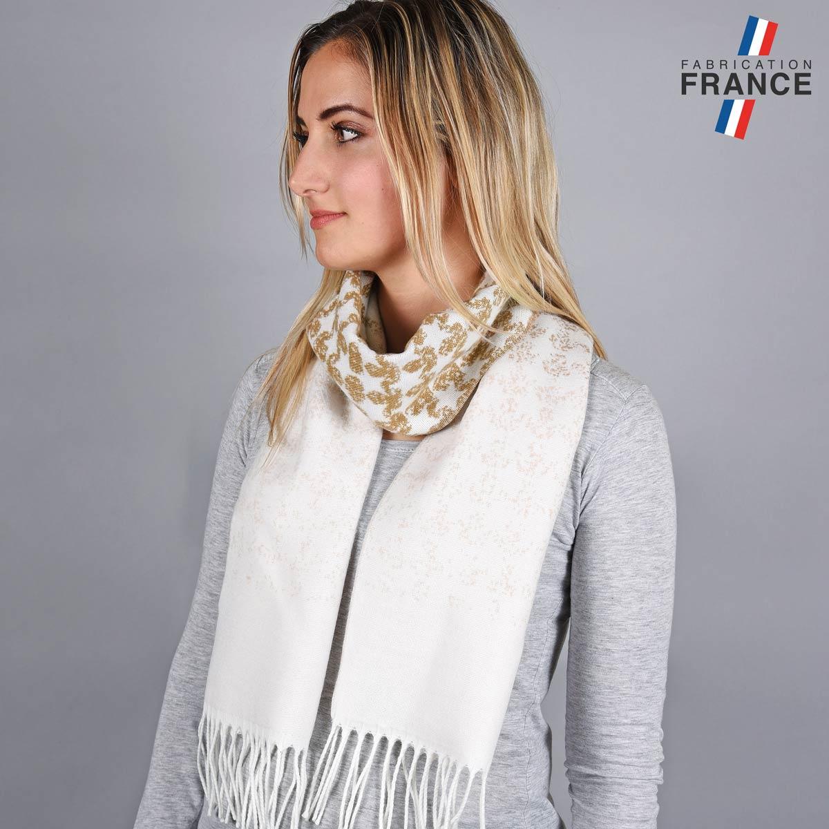 AT-05670_W12-1FR_Echarpe-degrade-blanc-beige
