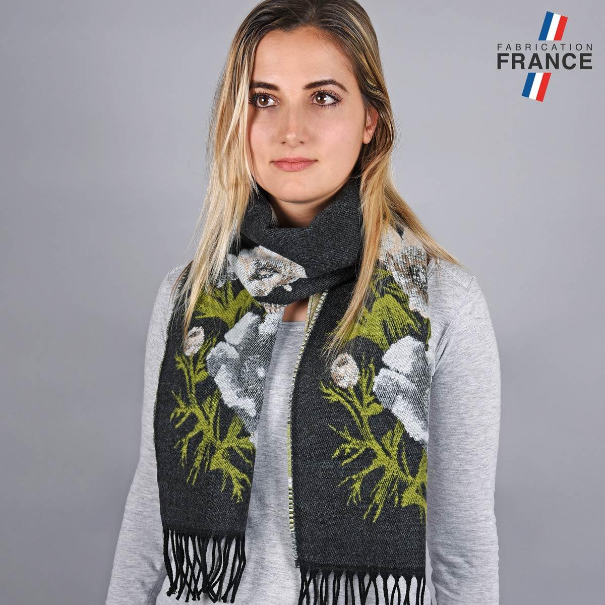 AT-05757_W12-1FR_Echarpe-florale-gris-noir-label-france