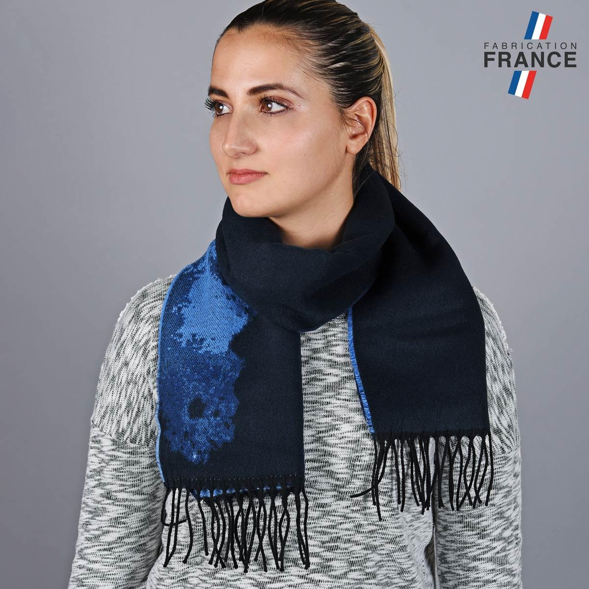 AT-05791_W12-1FR_Echarpe-fleur-bleue-made-in-france