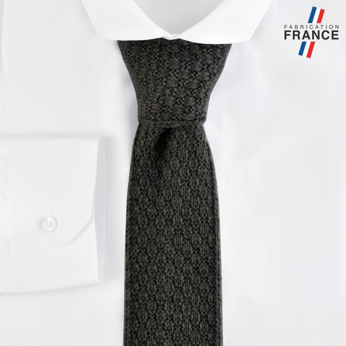 CV-00460_F12-2FR_Cravate-tricot-anthracite-fabrication-francaise
