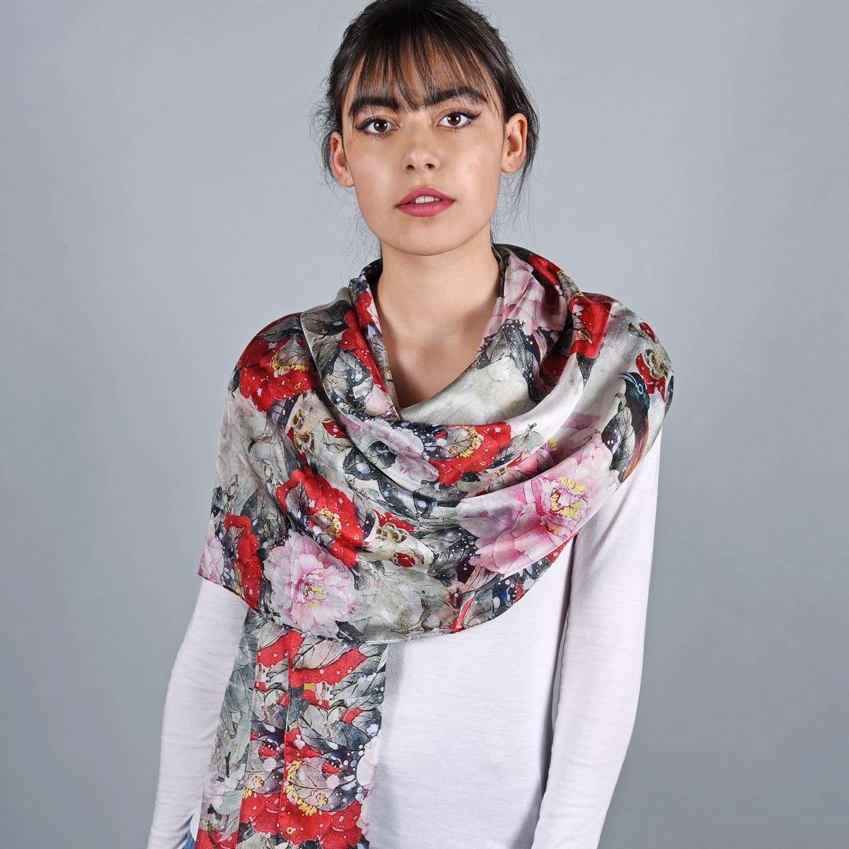 _Etole-soie-florale-grise