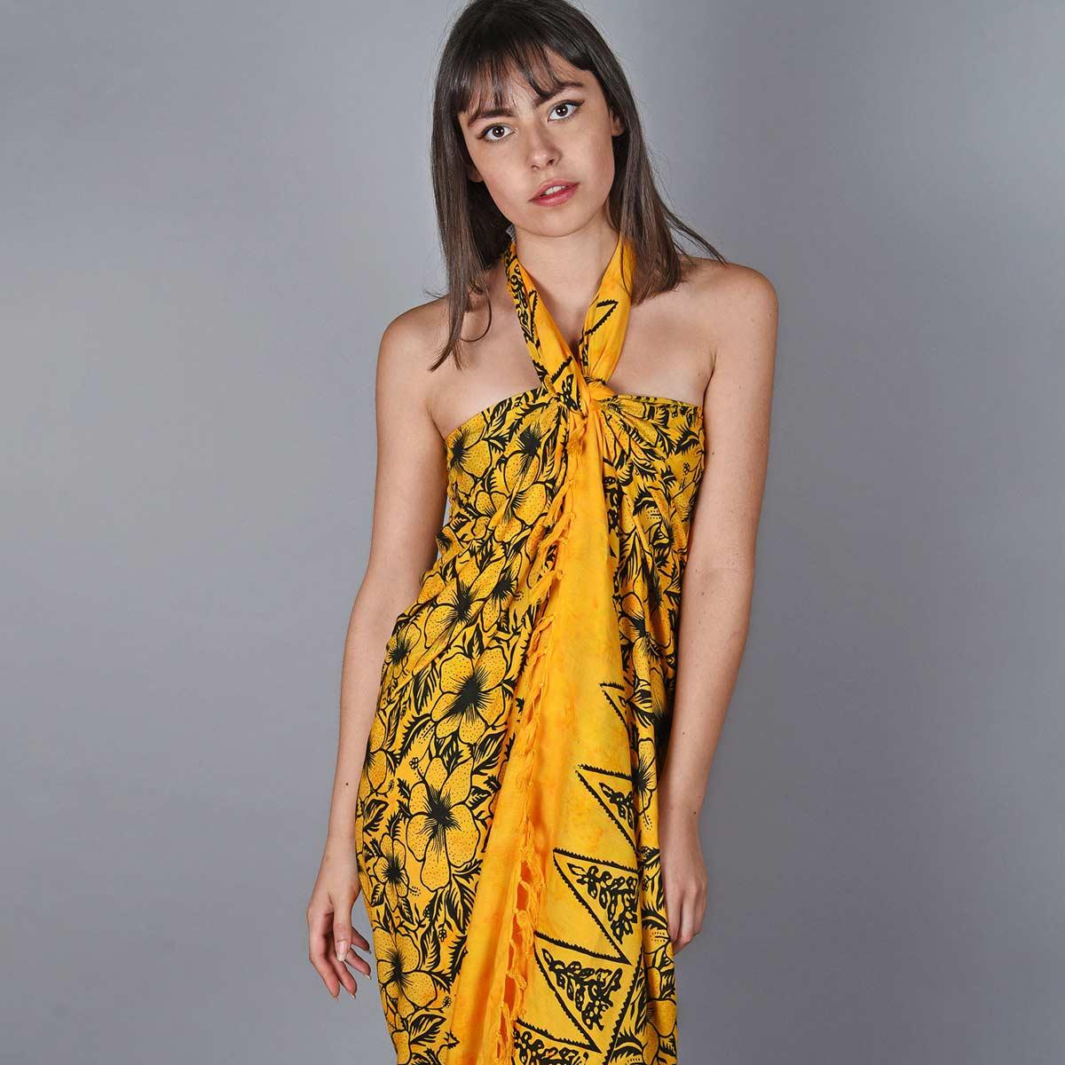 AT-06098_W12-1--_Pareo-femme-jaune-fleur-hibiscus
