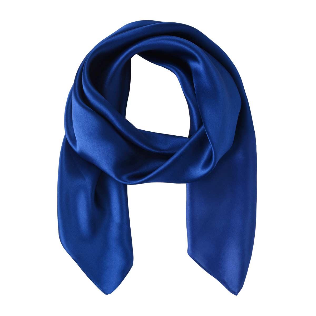 AT-05375_F12-1--_Grand-carre-de-soie-bleu-marine