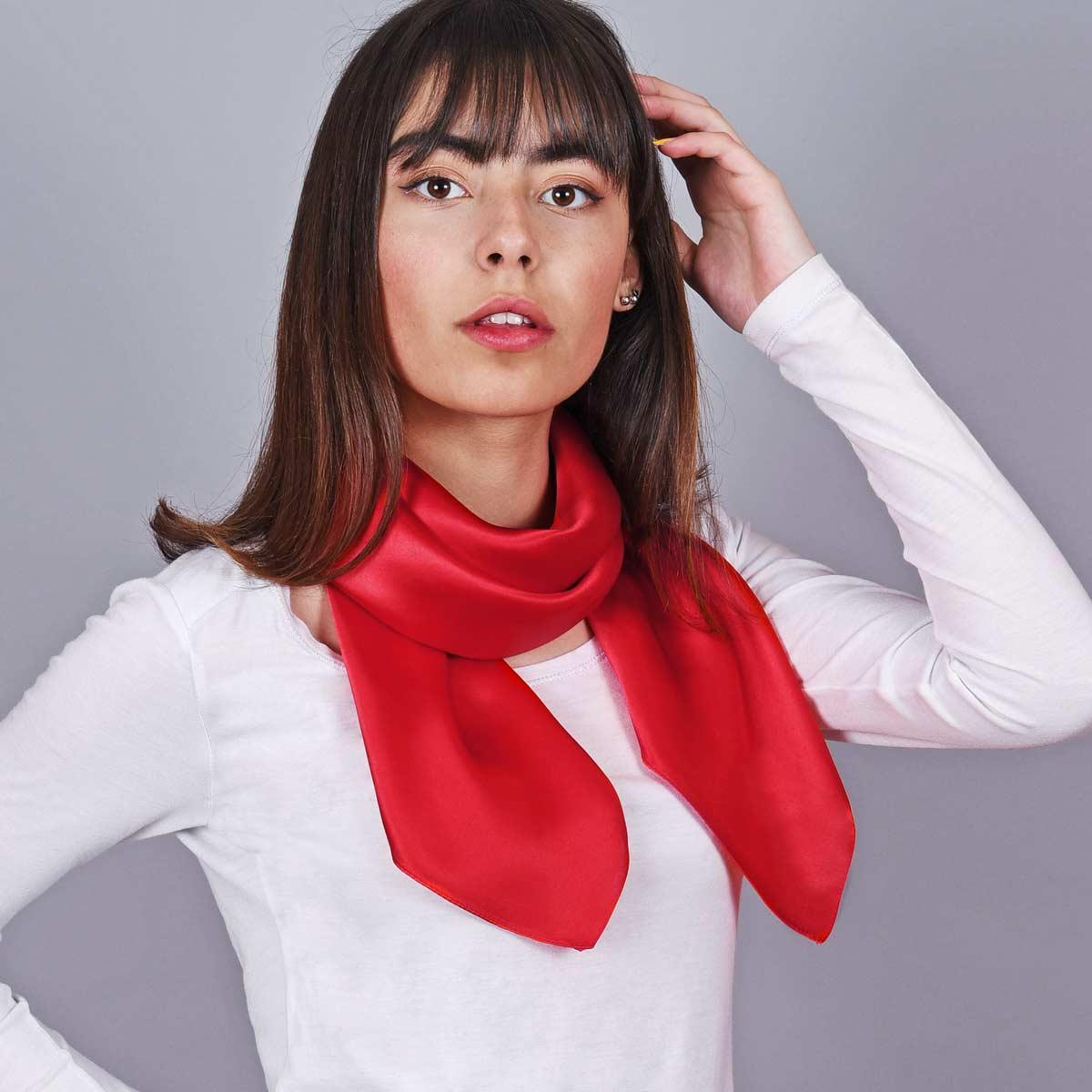 AT-05385_W12-1--_Carre-soie-femme-rouge-uni