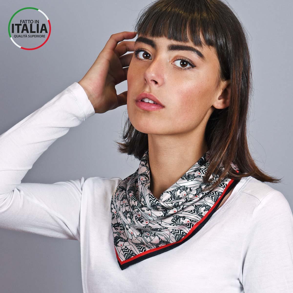AT-05391_W12-1IT_Carre-soie-noir-femmes-65x65-made-in-italie