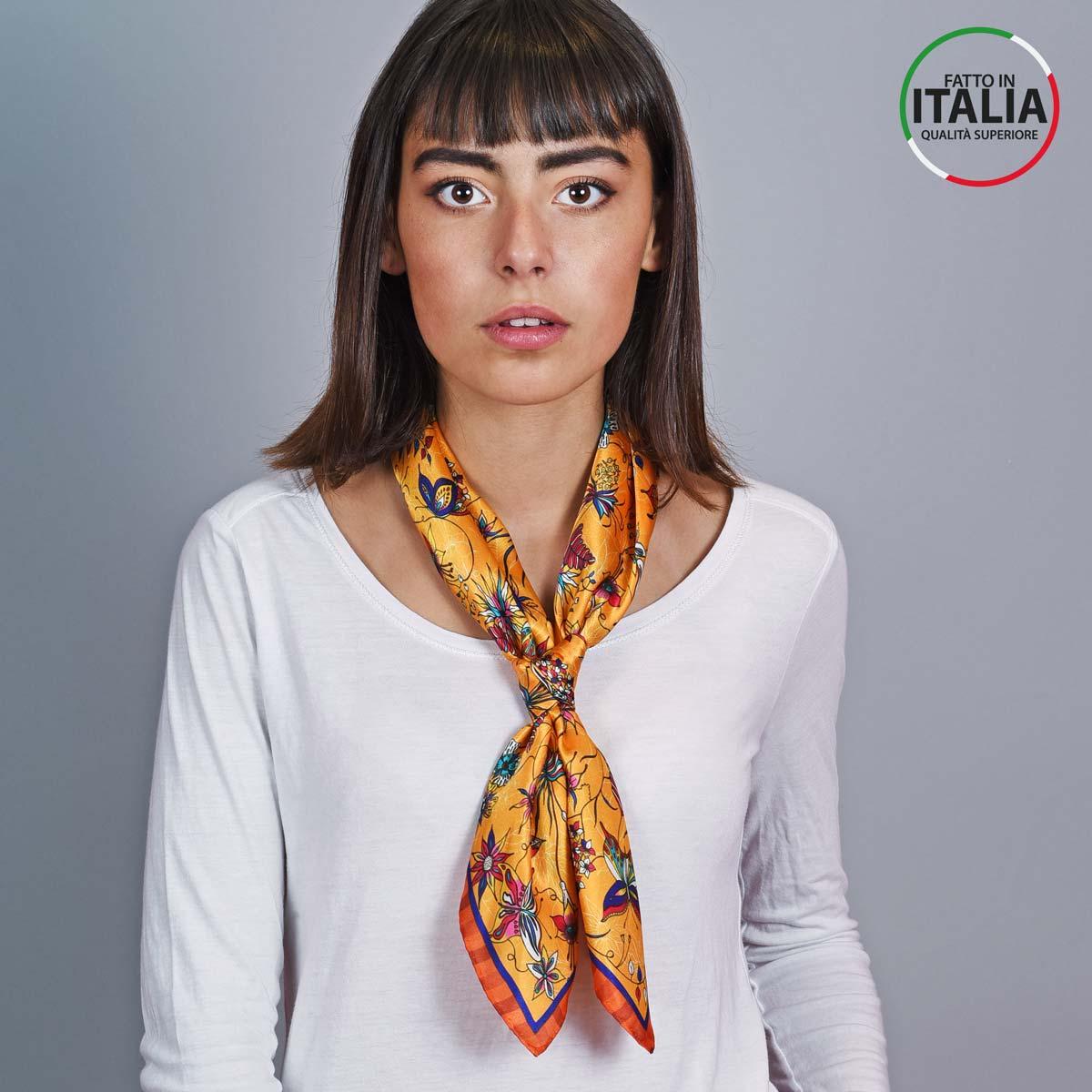AT-05393_W12-2IT_Carre-en-soie-jaune-orange-made-in-italie