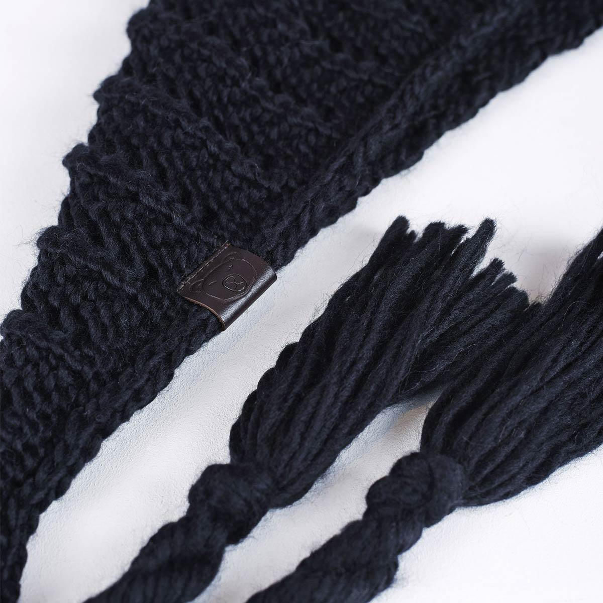 AT-05072_D12-1--_Echarpe-triange-nattes-noire