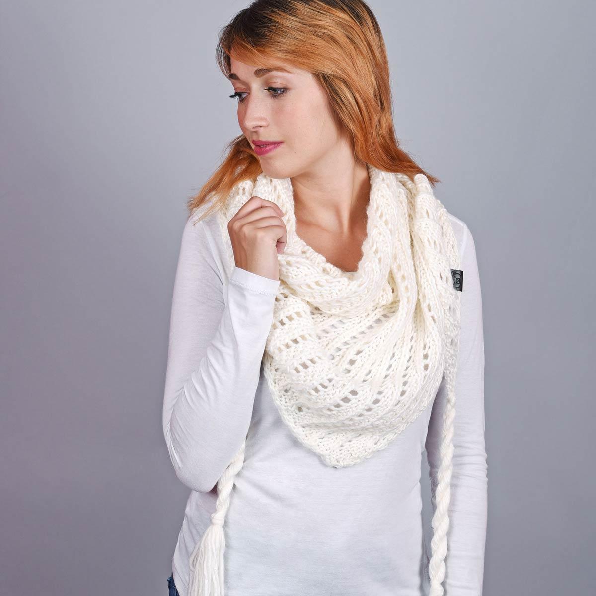 AT-05073_W12-1--_Echarpe-femme-triangle-blanc