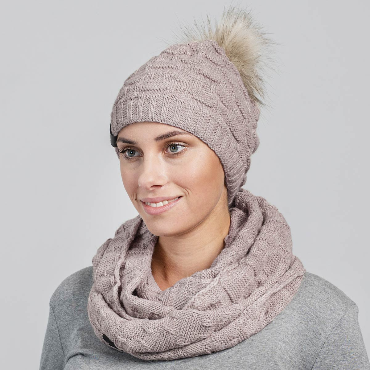 PK-00115_W12-1--_Ensemble-femme-snood-bonnet-beige
