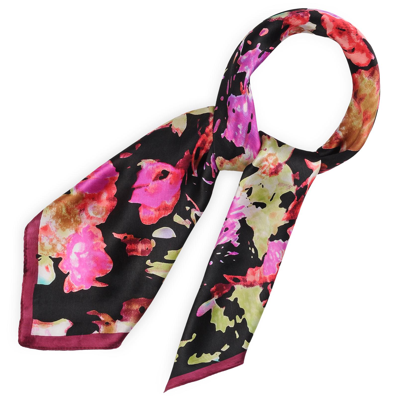 AT-03425-F16-carre-de-soie-noir-flou-floral