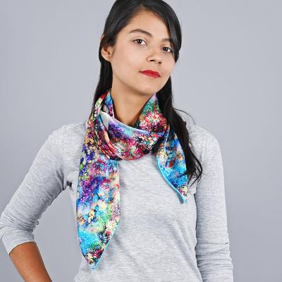 Carré de soie - Allée du foulard e3cfd5bb4f4