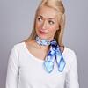 AT-04097-VF16-carre-soie-floral-bleu