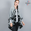 AT-04154-VF16-LB_FR-poncho-femme-gris-a-poches