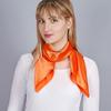 AT-04311-VF16-foulard-carre-hotesse-orange