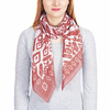 AT-04338-VF16-P-foulard-carre-femme-ocre