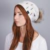 CP-01046-VF16-1-bonnet-pompon-blanc-beige-bijoux_strass
