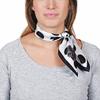 AT-04640-VF16-carre-de-soie-gros-pois-noirs