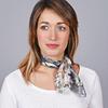 AT-04647-VF16-1-carre-soie-femme-gris-patchwork