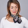 AT-04649-VF16-1-carre-soie-leopard-fauve-gris-noir
