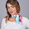 AT-04655-VF16-1-foulard-carre-soie-bleu-motifs-fleurs