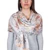 AT-04709-VF10-P-etole-soie-femme-feuilles-sur-blanc