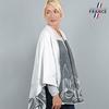 AT-03254-VF10-2-LB_FR-poncho-femme-blanc-fleurs-grises-fabrique-en-france