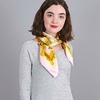 AT-04054-VF10-carre-soie-rose-fleurs-naives