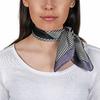 AT-04757-VF10-P-foulard-en-soie-noir-geometrie