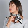 AT-05565-VF16-1-foulard-carre-soie-noir-blanc