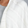 AT-04819-VF10-2-poncho-femme-blanc-rayures