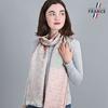 AT-04989-VF10-LB_FR-echarpe-femme-vert-rose-qualicoq-motifs-geometriques