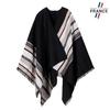 AT-06137-F12-LB_FR-poncho-laine-rayures-noir