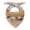 AT-06367_F12-1-carre-soie-femme-beige-motifs-floraux