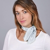 _Foulard-soie-femme-gris-clair