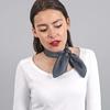 _Petit-foulard-soie-gris-sombre