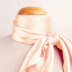 Grand foulard carré Polysatin SAUMON uni