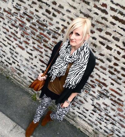 luniversdevanessa-foulard-tigre-noir-2