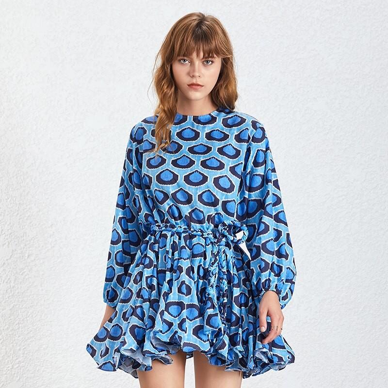 Robe Courte Evasée Bleue Graphique CARO