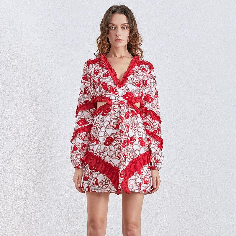 Robe Florale Brodée à Découpes QUINCE