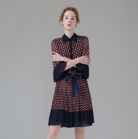 Robe Plissée Ceinturée Géométrique Esprit Vintage YOUTH