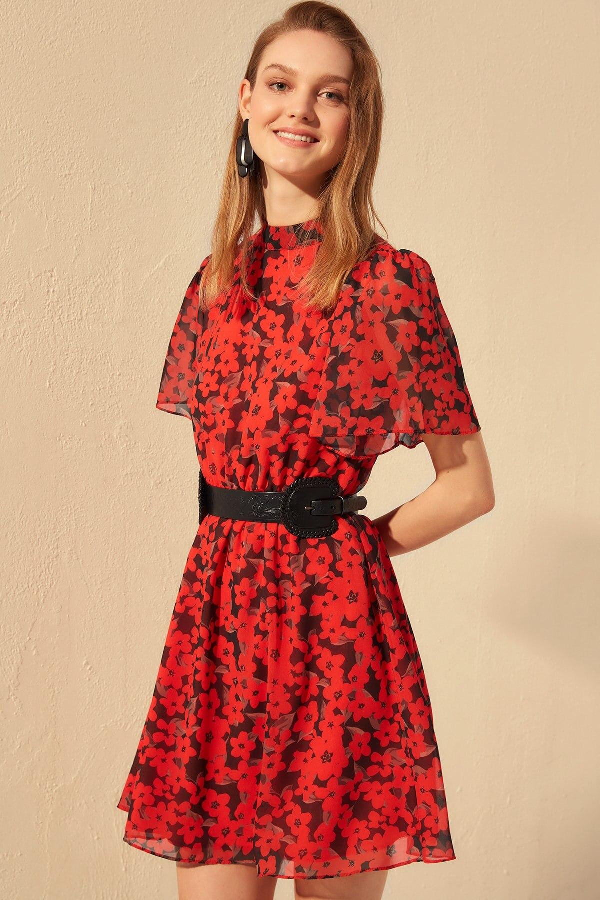 Robe Fleurie Rouge et Noire