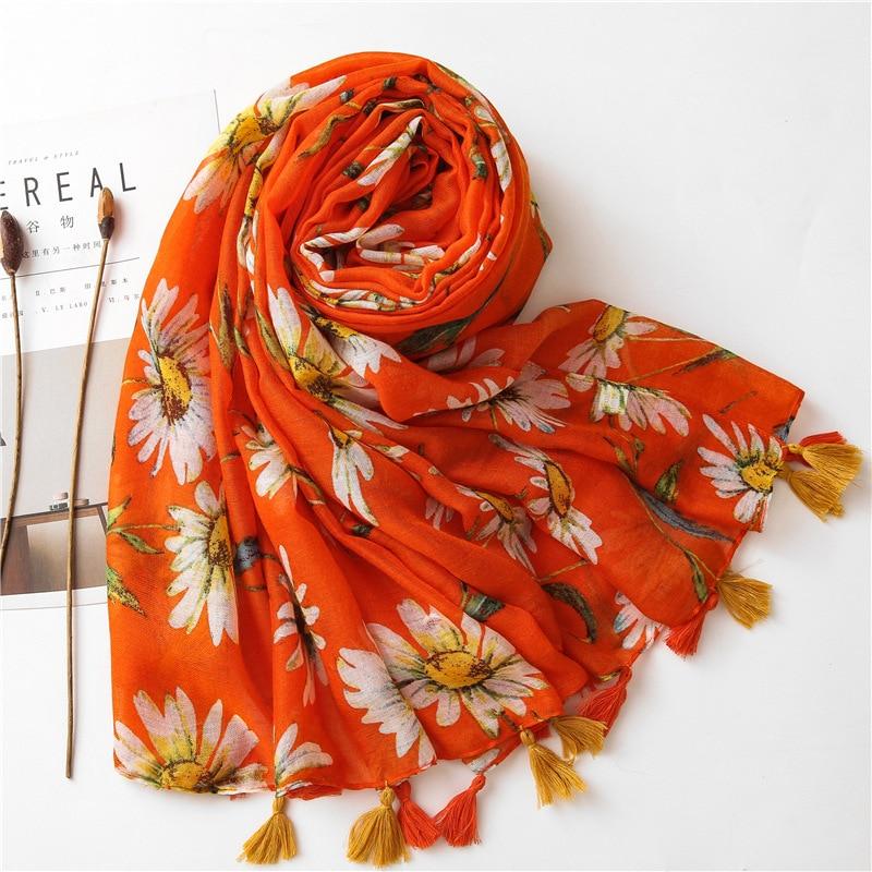Foulard Orange à Fleurs et Pompons Esprit Vintage