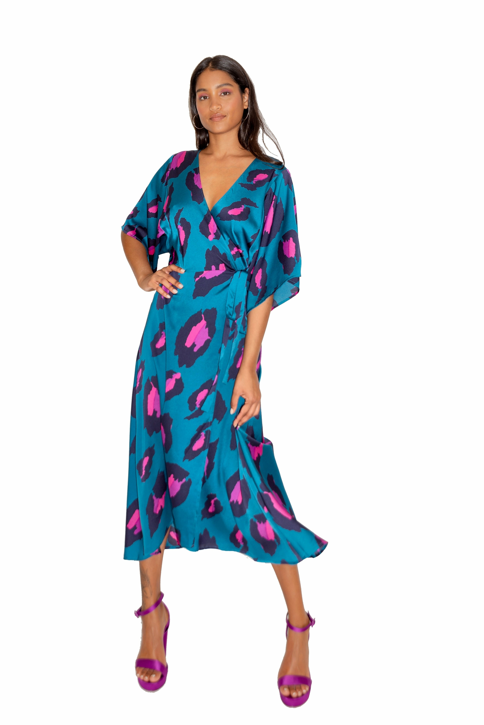 Robe Midi Portefeuille Léopard à Manches Kimono Bleu Rose