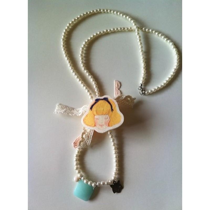 Sautoir Perles Poupée DINA AU PAYS D\'ALICE