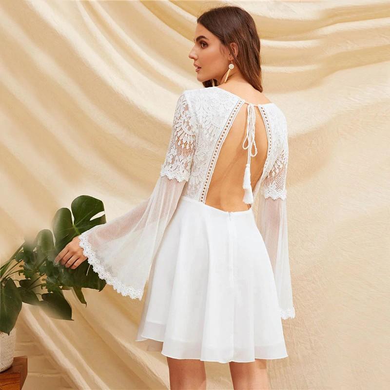 Robe Blanche Crochet et Tulle Dos Nu à Pompons JANE